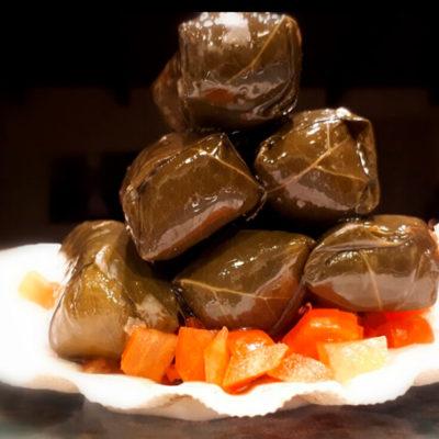 Συνταγή με ντολμαδάκια και καβούρι
